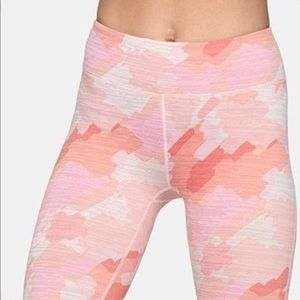 LIKE NEW Outdoor Voices TechSweat legging Size M